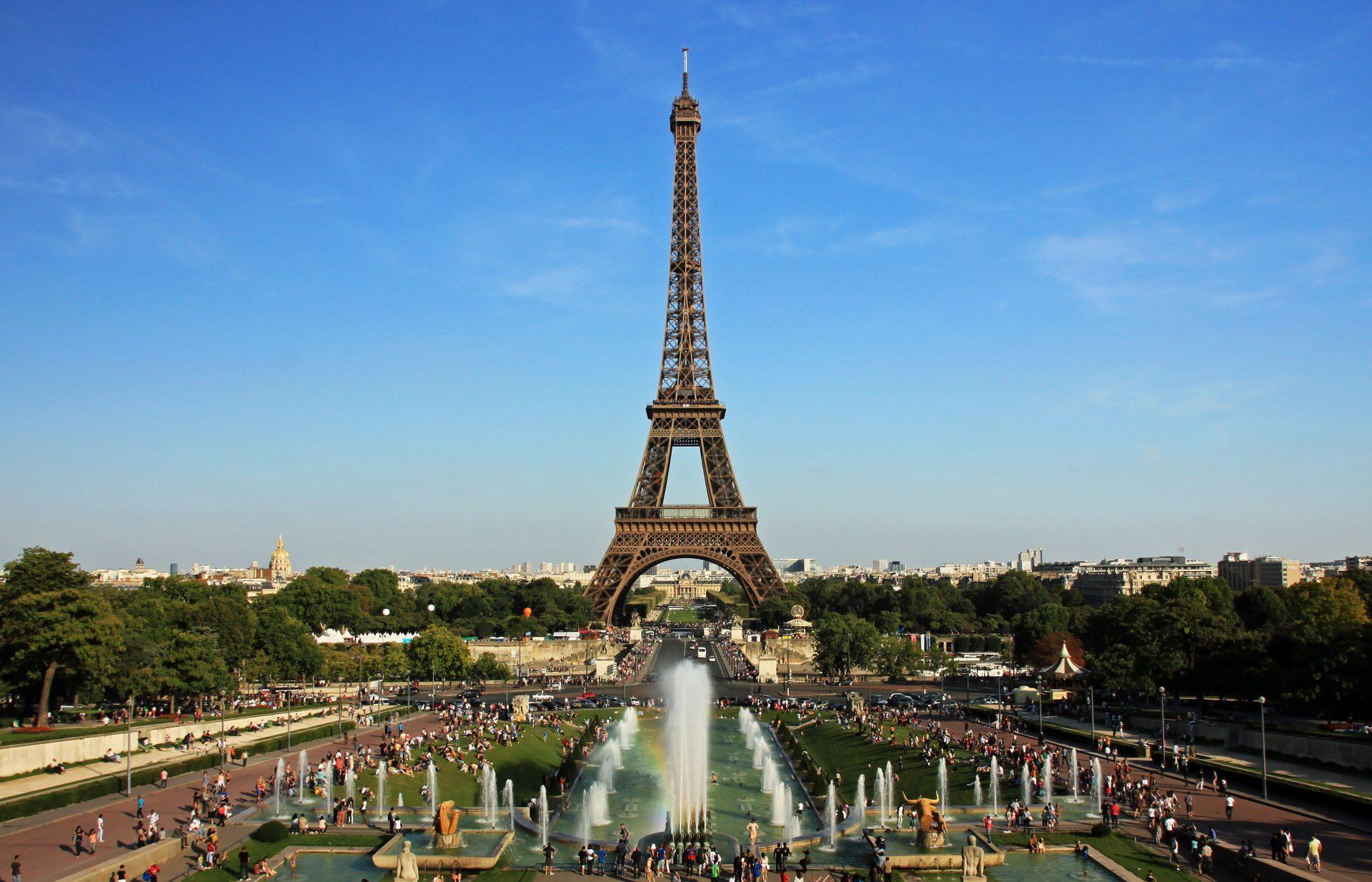 Eiffel_tower_from_trocadero