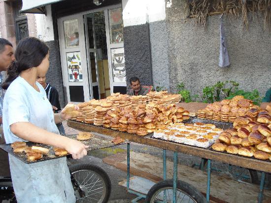 marchand-de-gateau-rue