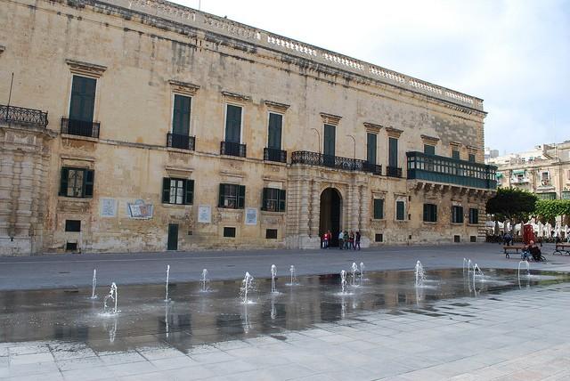 palatul 2