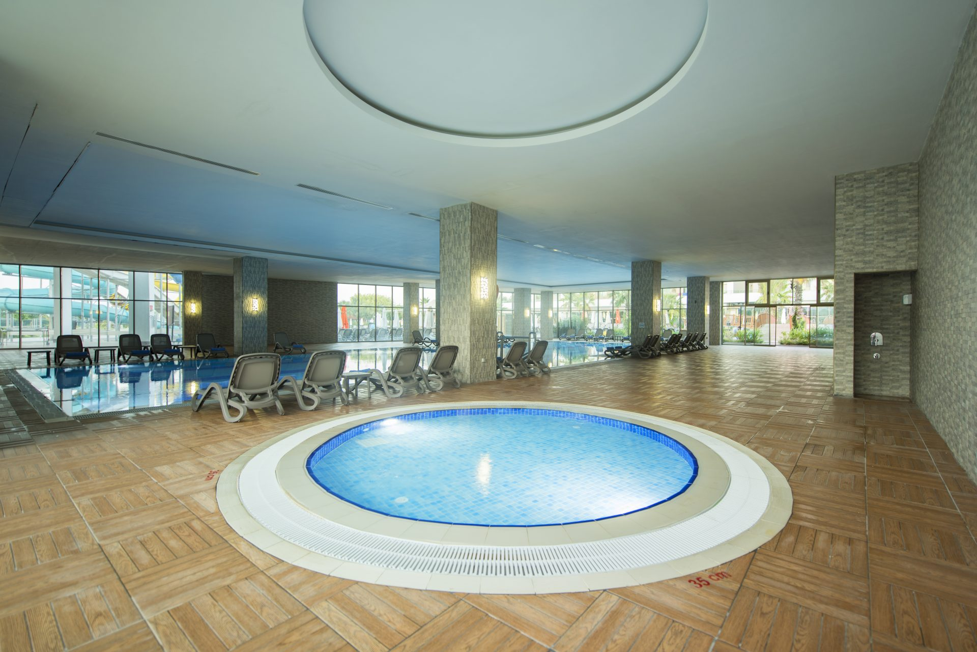 IndoorSwimmingPool2