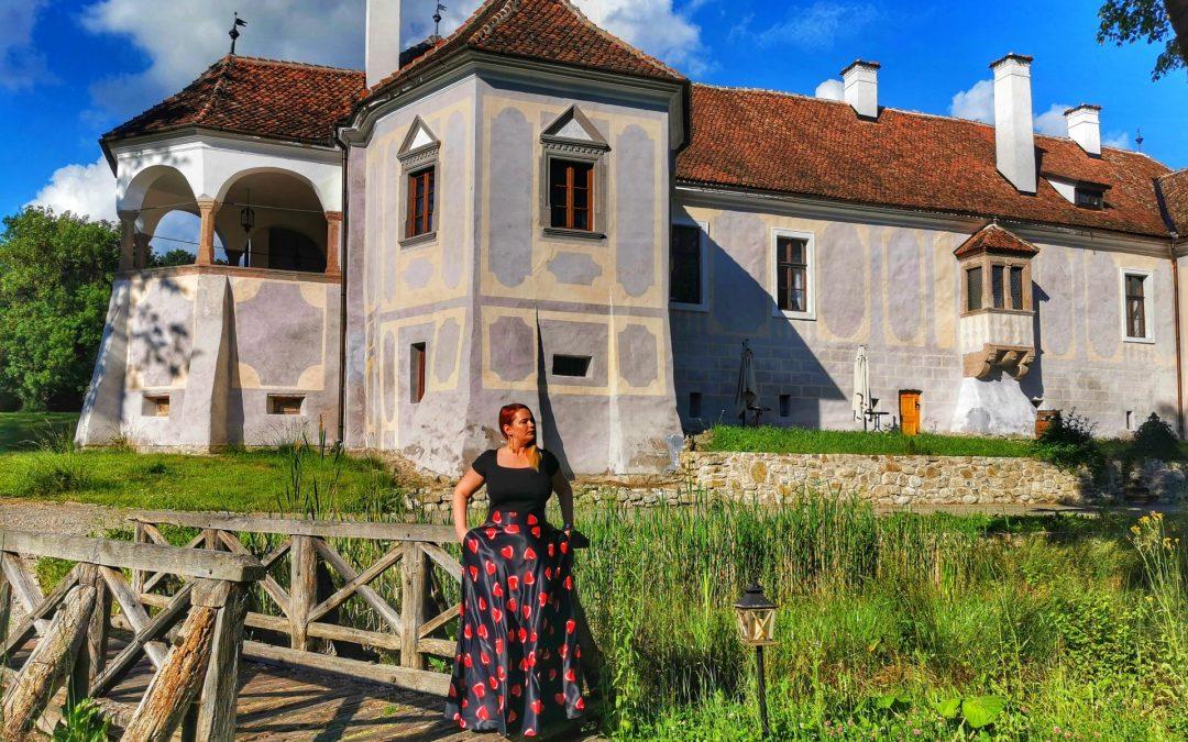 The luxurious simplicity of Micloșoara